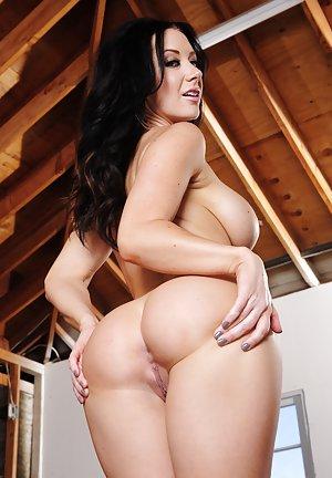 Big Ass Tits Pics
